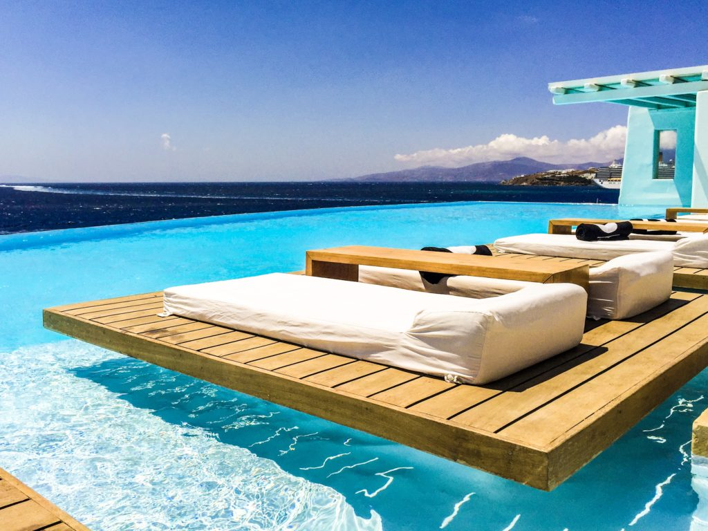 Dream salty infinity pool at CavoTagoo